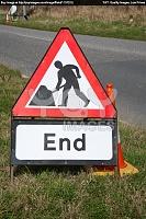 Нажмите на изображение для увеличения Название: british-roadworks-end-sign-on-the-side-of-a-road--115a3c.jpg Просмотров: 1 Размер:288,8 Кб ID:74753