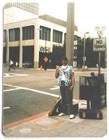 Нажмите на изображение для увеличения Название: Kevin in front of old SD convention center 1985 crop.jpg Просмотров: 15 Размер:192,4 Кб ID:66785