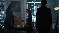 Нажмите на изображение для увеличения Название: Gotham.S03E09.1080p.HDTV.X264-DIMENSION.mkv_snapshot_17.53_[2016.11.16_21.39.50].png Просмотров: 13 Размер:2,18 Мб ID:113723