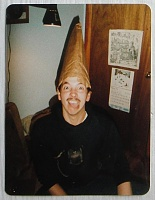 Нажмите на изображение для увеличения Название: Kevin with cone on head, Sharon, CT 1985.jpg Просмотров: 12 Размер:180,6 Кб ID:66784
